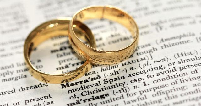 看護師が師長に結婚報告するタイミングは?